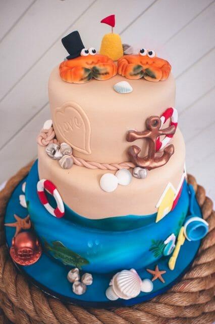 Crabs sea nautical wedding cake