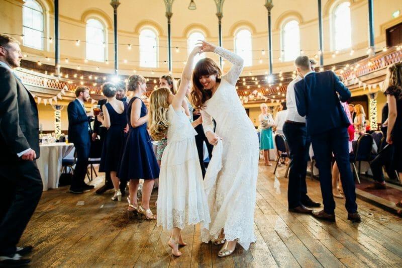 round chapel wedding-50